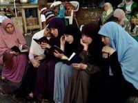 Başörtüsünün Kaynağı Kur'an ve Rasulullah'ın Fiili Sünneti'dir